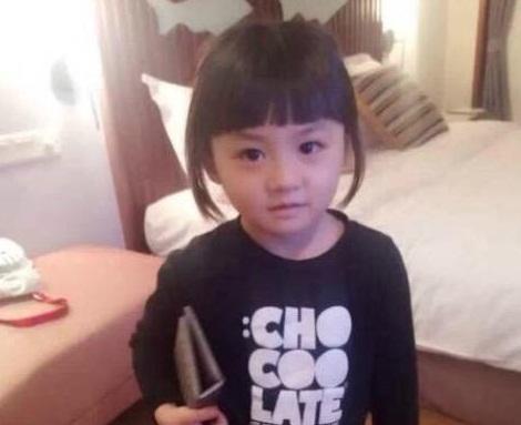 出国前爸爸将女儿托给父母照顾,几个月后看到女儿的模样让他傻眼